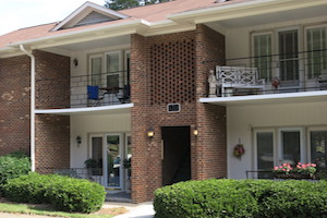 Fountain Manor Town Homes with Balconies